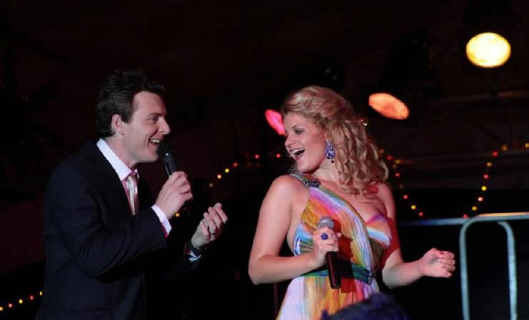 Craig and Mirusia performing at Redlands 'Christmas by Starlight' Concert 2012
